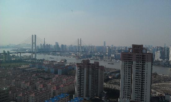 โรงแรมเชอราตันเซี่ยงไฮ้ & เรสซิเดนซ์ ผู่ตง: Another view from 29th floor