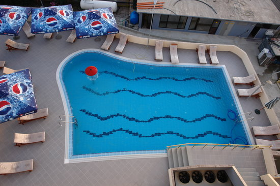 Hotel Airport Tirana: swimming pool