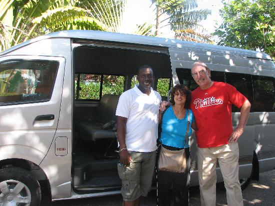 Everald's Jamaica Private Day Tours: Everald's new bus