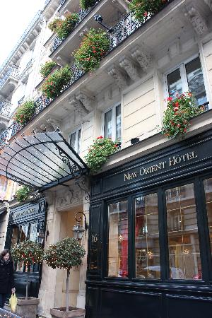 New Orient Hotel: Hotel exterior