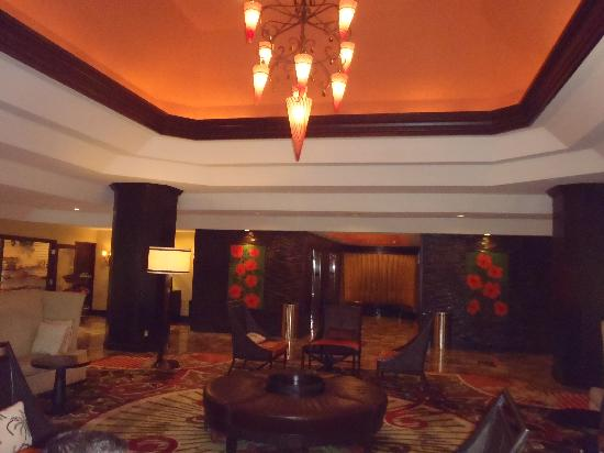 DoubleTree by Hilton Hotel Deerfield Beach - Boca Raton: modernized front lobby at entrance