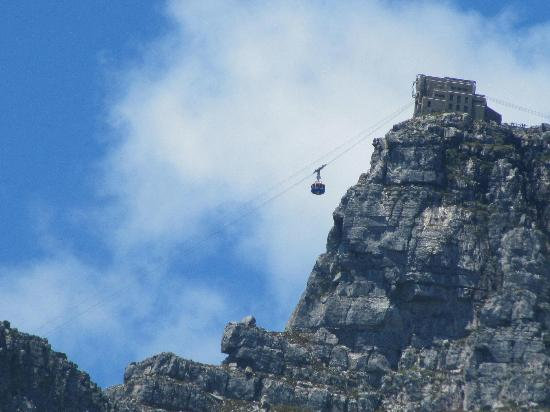 Camp's Bay Beach : Cable car from Camps Bay beach