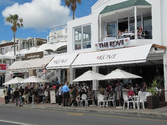 Camp's Bay Beach: Camps Bay bars and restaurants