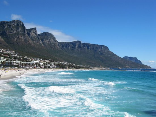 Camp's Bay Beach: Camps Bay going south