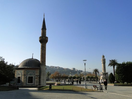 Izmir, Turkey: Konak Square
