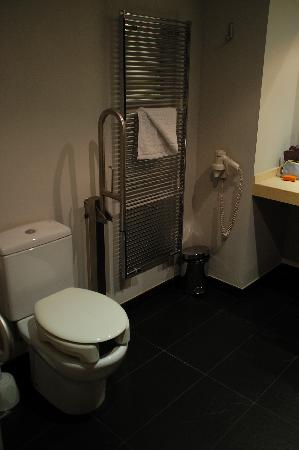 Exe Princep Hotel: Vista lavabo