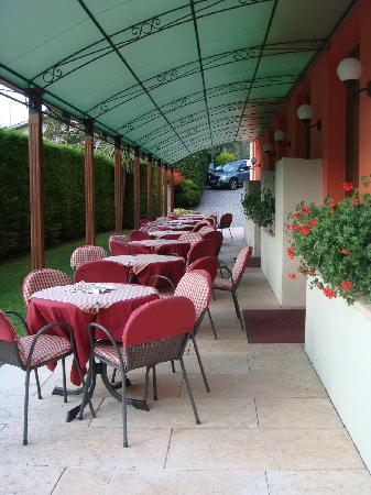 Hotel Garni Diana: breakfast area