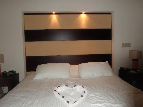 Villas Sol Hotel & Beach Resort: My bed