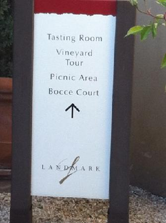 Landmark Vineyards: entrance