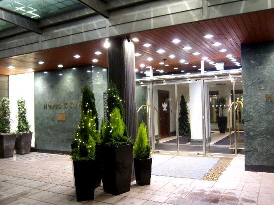 Hotel Kamp: Entrance
