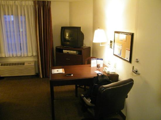 Candlewood Suites Las Vegas: Schreibtisch und TV