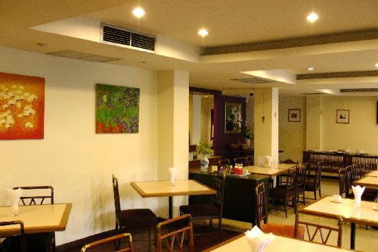 JL Bangkok: Breakfast parlour