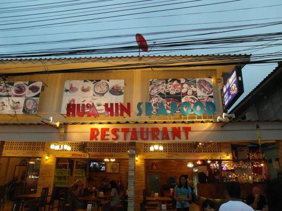 Hua Hin Seafood : Signboard