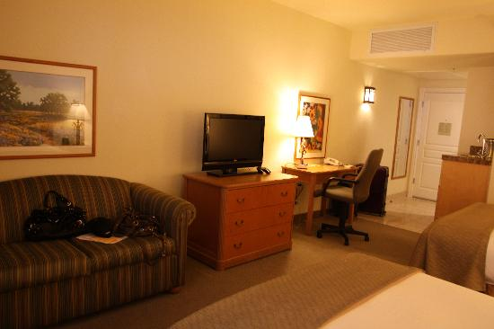 Hilton Santa Cruz / Scotts Valley: Hotel room