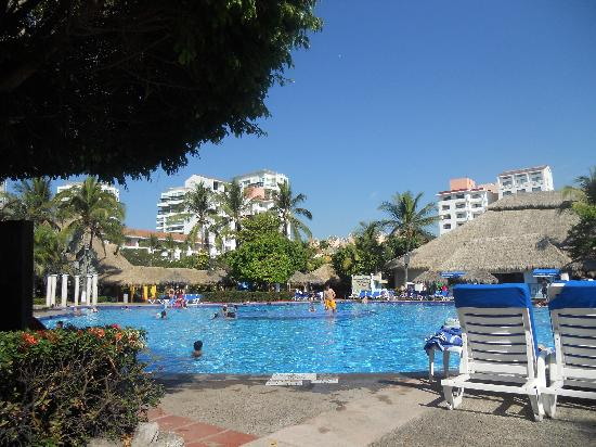 Melia Puerto Vallarta All Inclusive: Hotel sector piscina