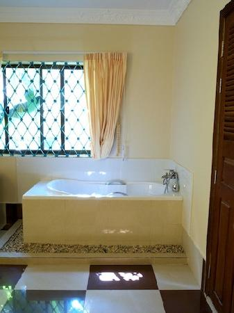 Siem Reap Rooms Guesthouse: Deluxe Double with Bath