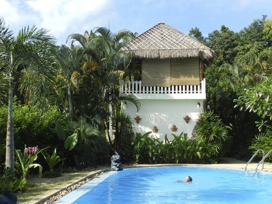 Homestay-Chiang Rai: swimming pool + massage