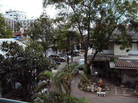 Puangpen Villa Hotel: Entrance