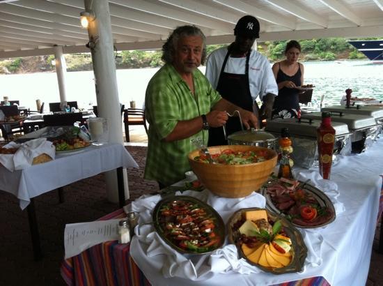 Ristorante Paparazzi : Diego at work preparing Sunday brunch