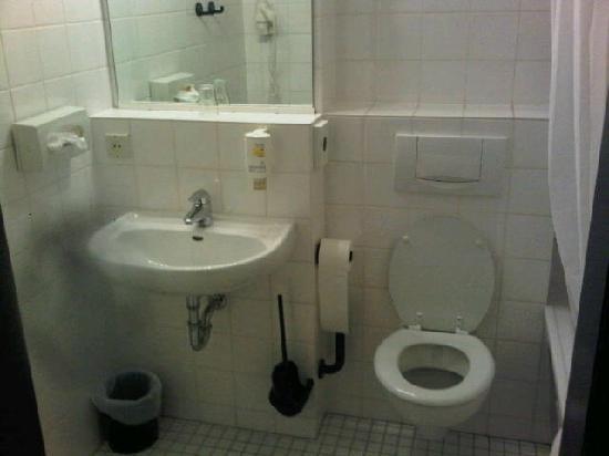 BEST WESTERN Comfort Business Hotel: WC im Zimmer