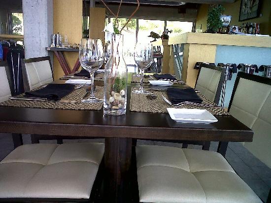 Baboo: Quizá las mesas demasiado pegadas.