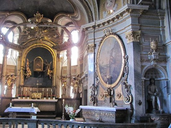Wurzburg, Germany: large side chapel