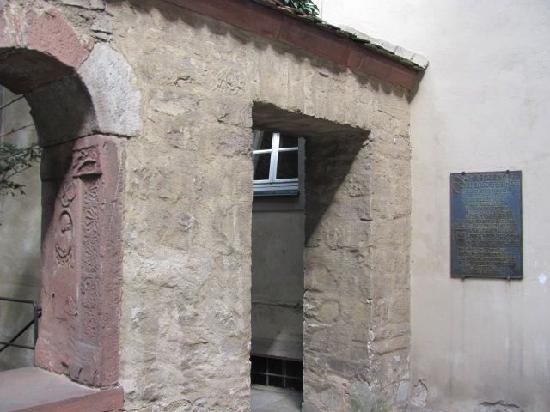 Lusamgartlein: entrance