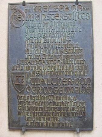 Lusamgartlein: plaque