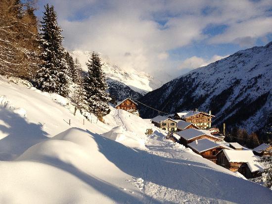 Hotel Alm-Ferienclub Silbertal: hotel vanaf skiweg