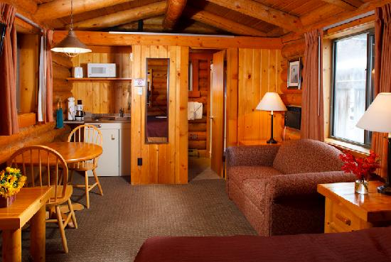 Cowboy Village Resort: Single King Cabin