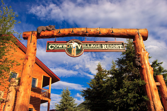 Cowboy Village Resort: Cowboy Village Sign