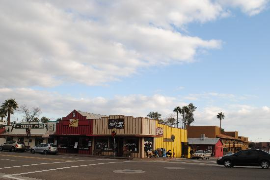 Rancho de los Caballeros: downtown wickenburg is quaint and friendly