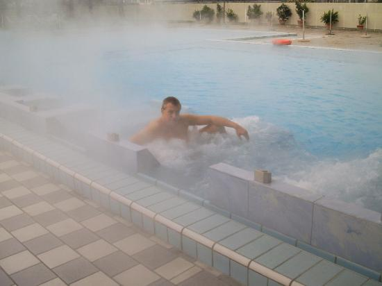 Hotel Abano Verdi Terme: io ed l'idromassaggio esterno