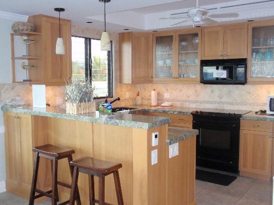 Poipu Shores Resort: Kitchen