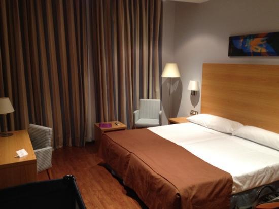 Hotel Exe Sevilla Palmera: habitación doble (con cuna)