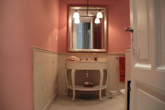 Petit Hotel El Vitraux: Bathroom