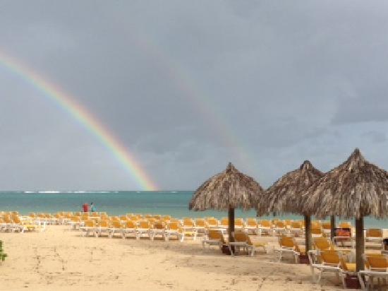 Iberostar Rose Hall Suites: Double Rainbow on rainy day in Jamaica