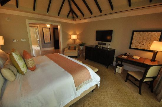 The St. Regis Bahia Beach Resort: Bedroom