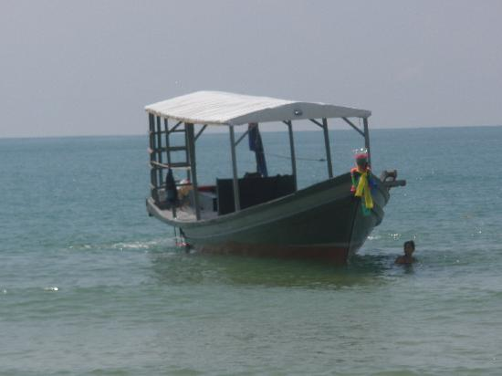 Adventure Charters Cambodia Day Trips: The boat