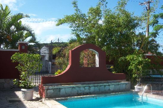 Interior de la Pousada Tartaruga, su piscina