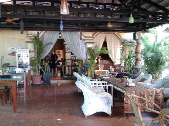 วิคตอรี่เกสท์เฮ้าส์: The lobby/Cafe