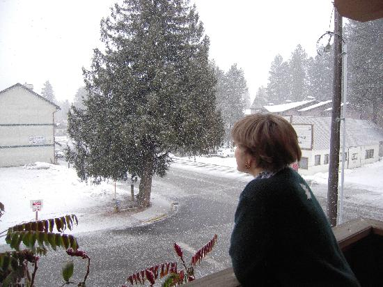 Hotel Pension Anna: Ottman Suite balcony.  Snow on Xmas!