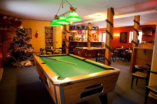 HI Mont-Tremblant: HI Auberge de Jeunesse Mont Tremblant - bar