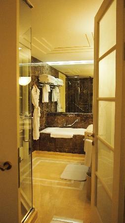 JW Marriott Hotel Seoul: 浴室
