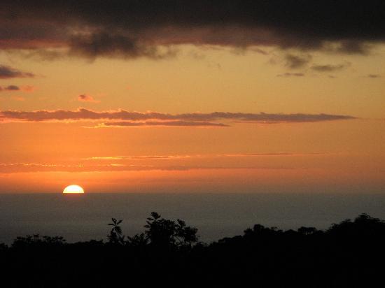 Boynton's Kona B&B: Kona coast sunset from the deck of Boynton's B&B