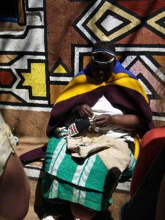aha Lesedi Cultural Village: Ndebele Village