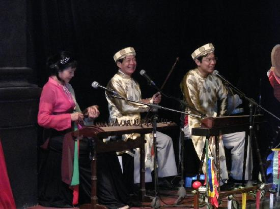Water puppet show at Thao Dien Village: The musicians