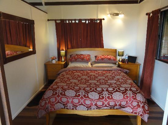Half Moon Hide-Away: Main bedroom