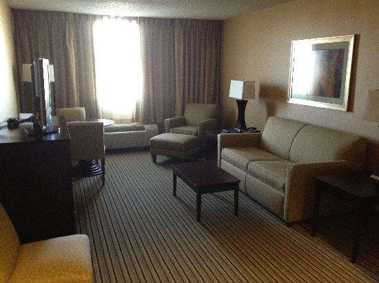 Holiday Inn Hotel & Suites Parsippany Fairfield: Second Room of King 2-room Suite