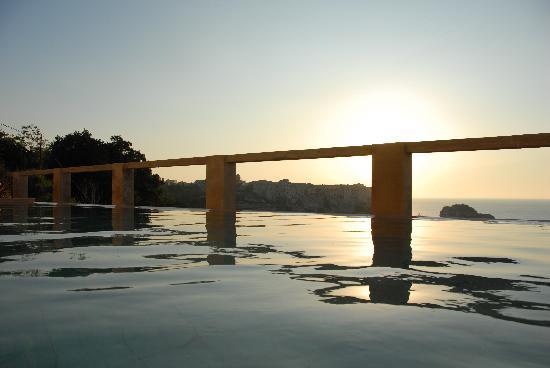 Villa Paola: La piscina
